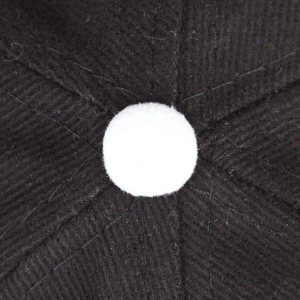 черная с белым